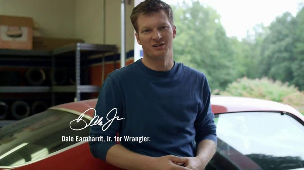 Wrangler TV Spot for UShape Jeans Featuring Brett Favre and Dale Earnhardt - Screenshot 4