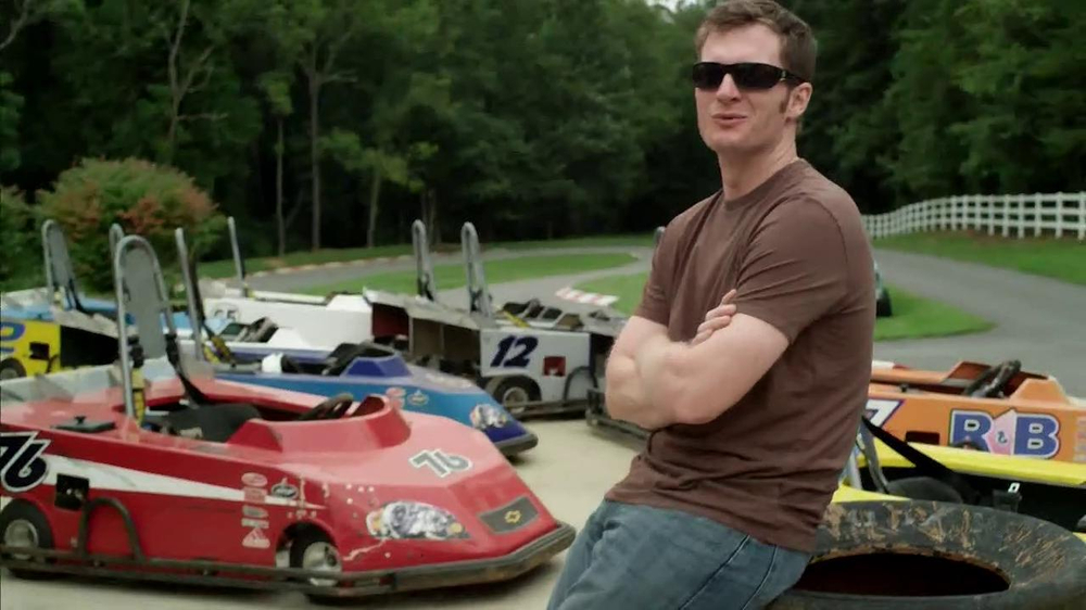 Wrangler TV Spot for UShape Jeans Featuring Brett Favre and Dale Earnhardt - Screenshot 7