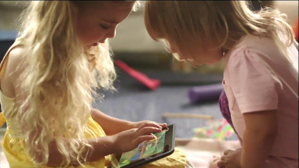 Amazon Kindle Fire HD TV Spot - Screenshot 5