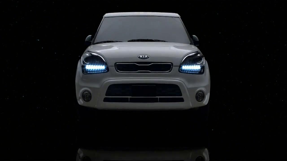 2013 Kia Soul Hamsters TV Spot, 'Bright Lights' - Screenshot 1