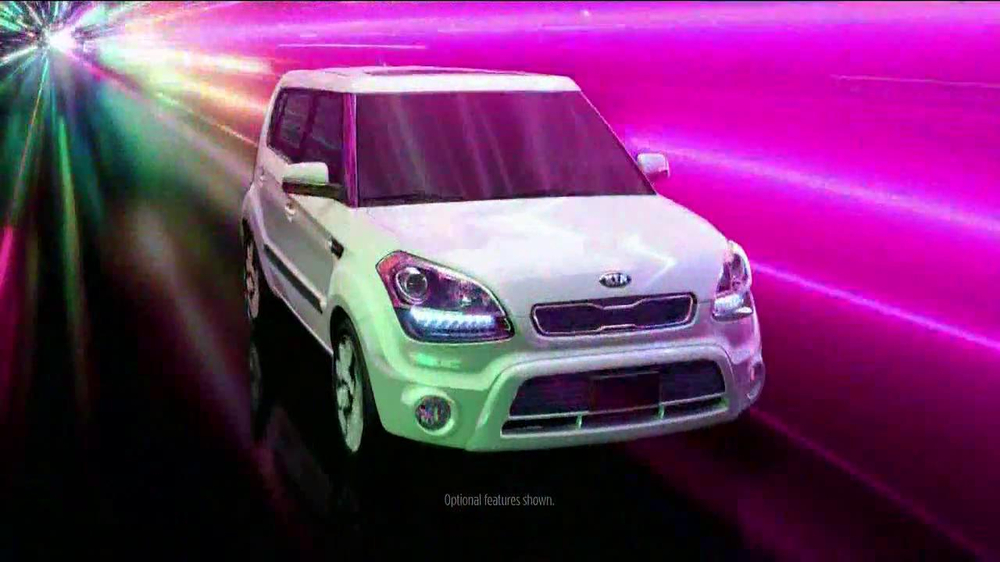 2013 Kia Soul Hamsters TV Spot, 'Bright Lights' - Screenshot 3