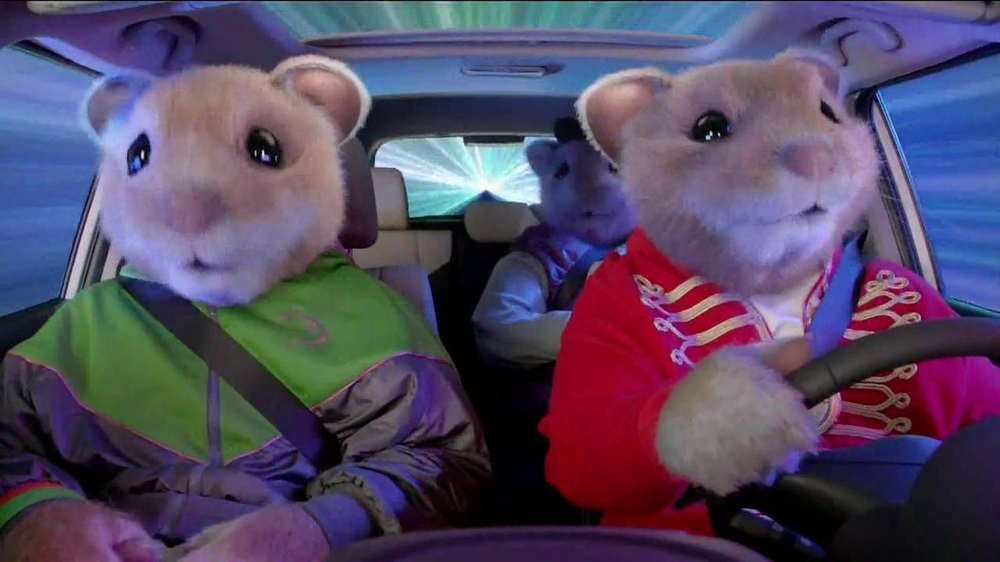 2013 Kia Soul Hamsters TV Spot, 'Bright Lights' - Screenshot 4