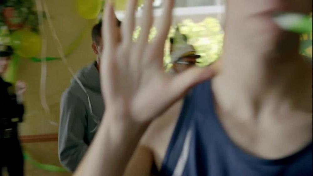 Subway TV Spot, 'SUBprize Party Hats' - Screenshot 8
