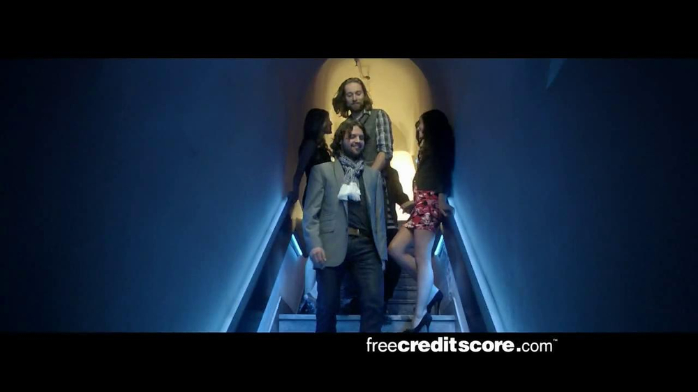 FreeCreditScore.com TV Spot, 'Club Concert' - Screenshot 2
