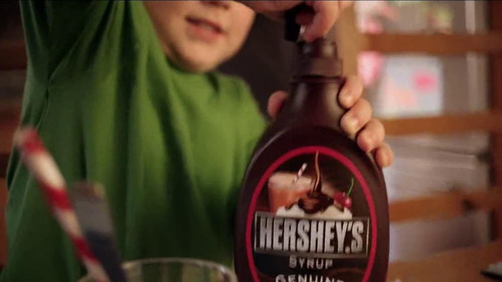 Hershey's Chocolate Syrup TV Spot, 'Stir It Up' - Screenshot 5