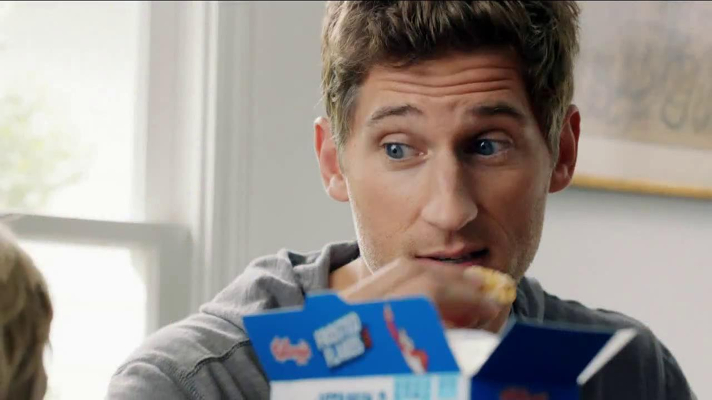 Frosted Flakes TV Spot, 'Football with Dad' - Screenshot 8