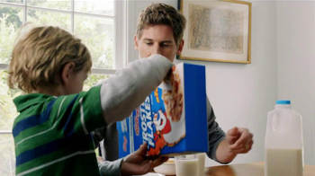 Frosted Flakes TV Spot, 'Football with Dad' - Thumbnail 7