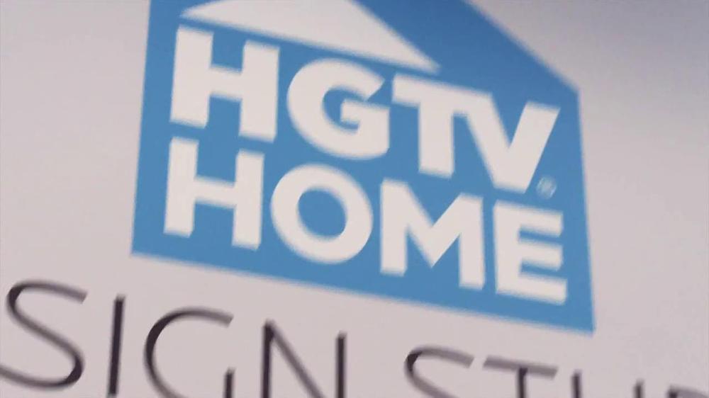 Bassett TV Spot for HGTV Home Design Studio Bedroom - Screenshot 5