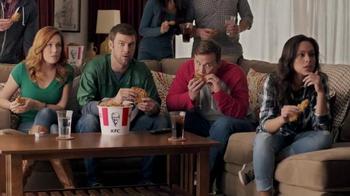 KFC Favorites Bucket TV Spot, 'Couchgating'