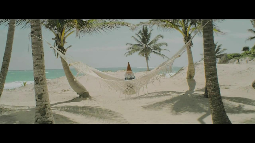 Travelocity Summer Sale TV Spot, 'Closer Than it Appears' - Screenshot 1