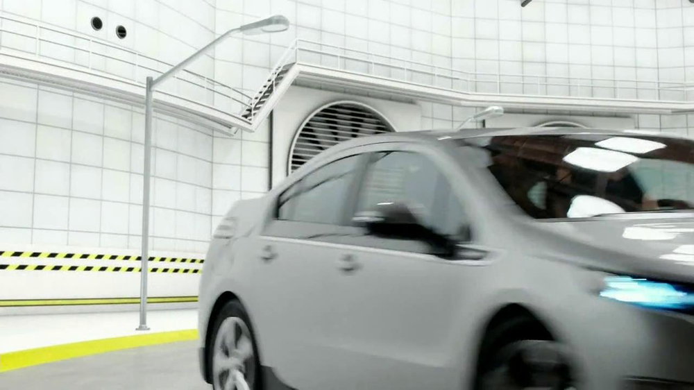 2013 Chevrolet Volt TV Spot, 'Backup Power' - Screenshot 8