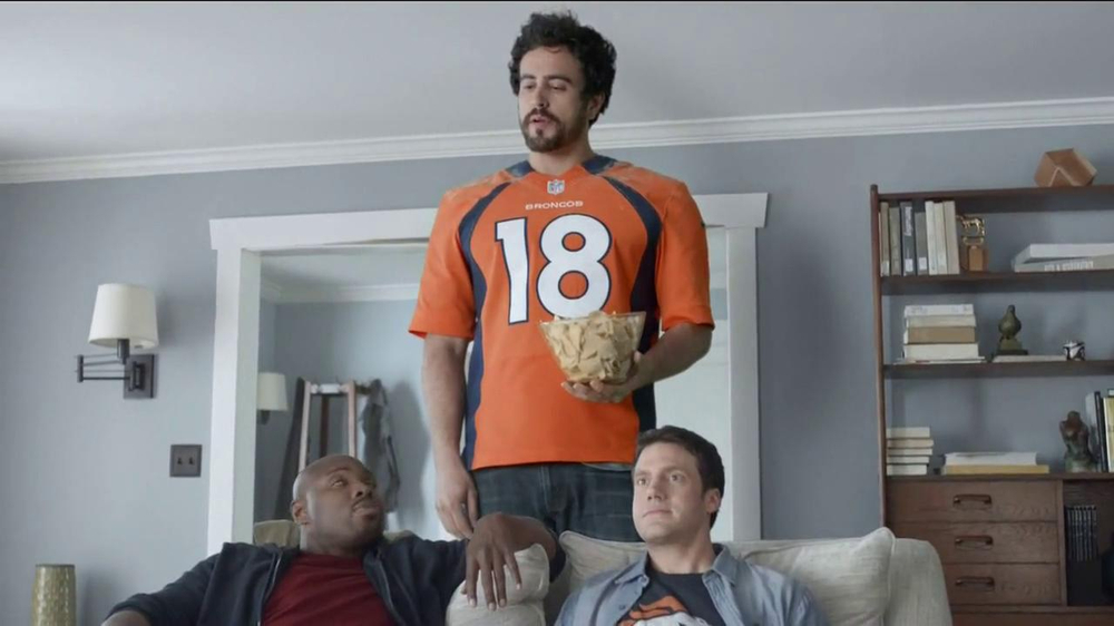 DirecTV TV Spot, 'The World's Most Powerful Fan' - Screenshot 7