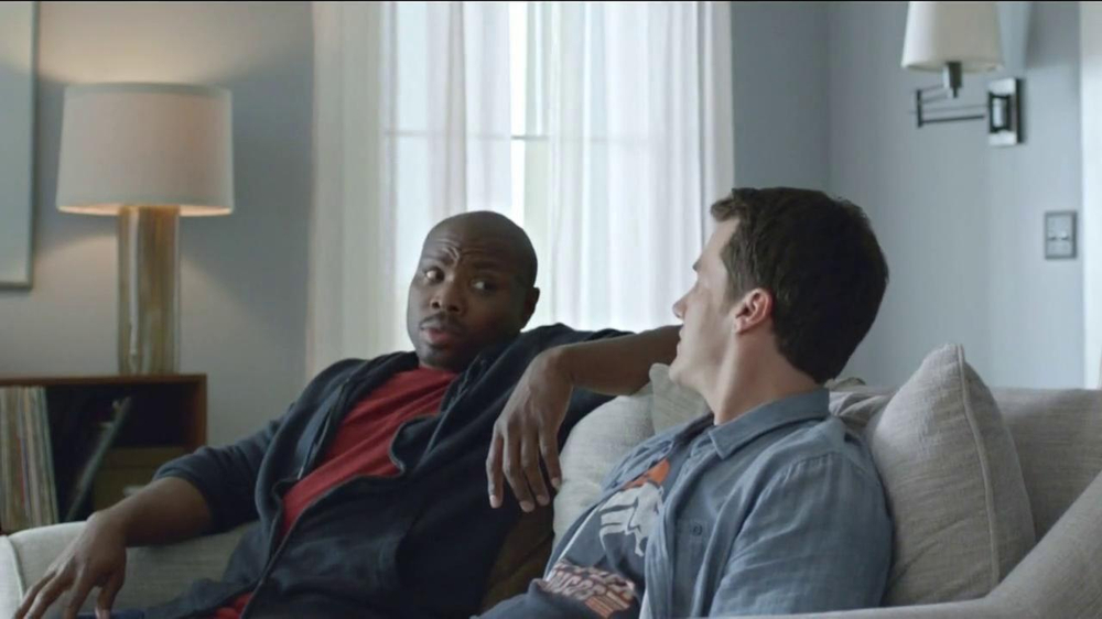 DirecTV TV Spot, 'The World's Most Powerful Fan' - Screenshot 8
