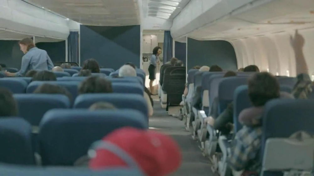 Samsung Galaxy S4 TV Spot, 'Airplane' - Screenshot 1