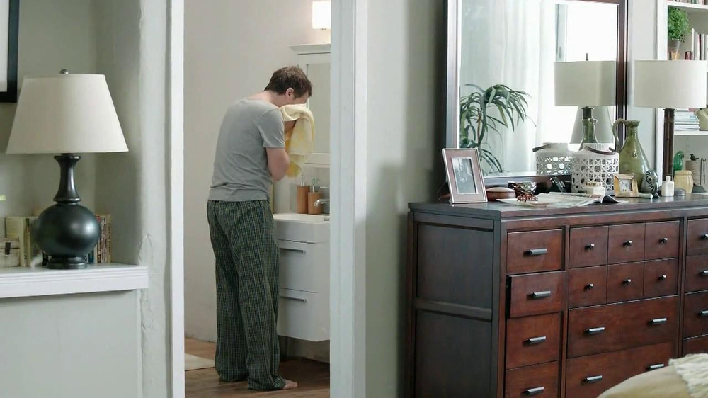 Gain Lift & Lock TV Spot, 'Dog's Towel' - Screenshot 3