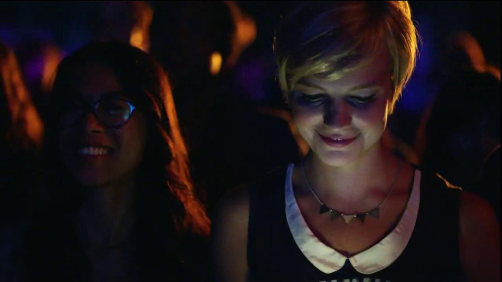 AT&T Nokia Lumina 1020 TV Spot, 'Concert' Song by The Colourist - Screenshot 3