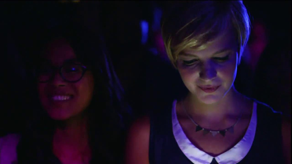 AT&T Nokia Lumina 1020 TV Spot, 'Concert' Song by The Colourist - Screenshot 6