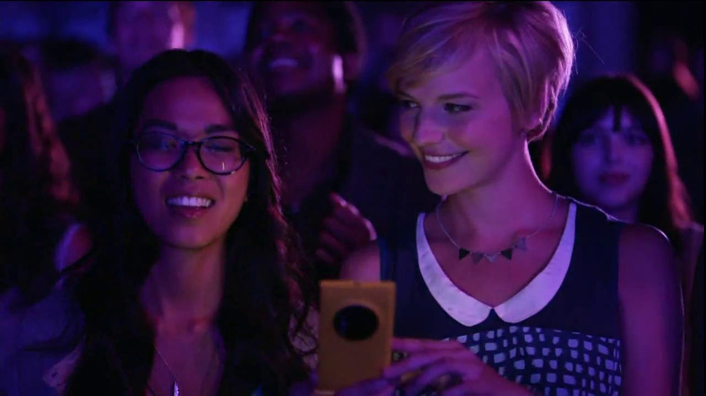 AT&T Nokia Lumina 1020 TV Spot, 'Concert' Song by The Colourist - Screenshot 8