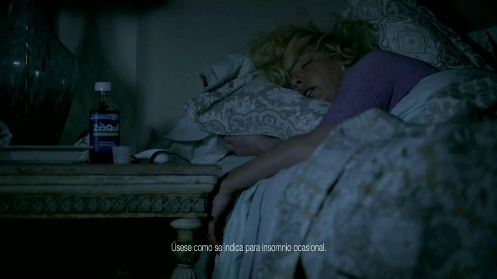 Vicks ZzzQuil TV Spot Con Katherine Heigl [Spanish] - Screenshot 1