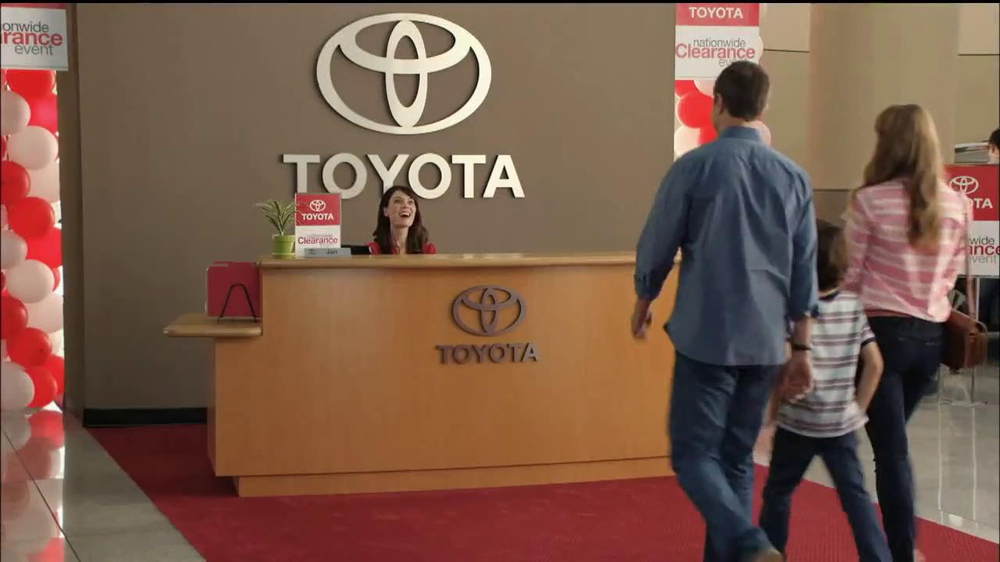 Toyota Nationwide Clearance TV Spot, 'Clarence' - Screenshot 1