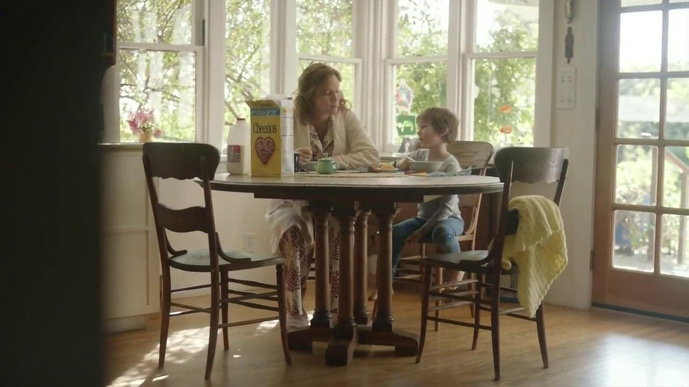 Cheerios TV Spot, 'Breakfast with Nana' - Screenshot 5