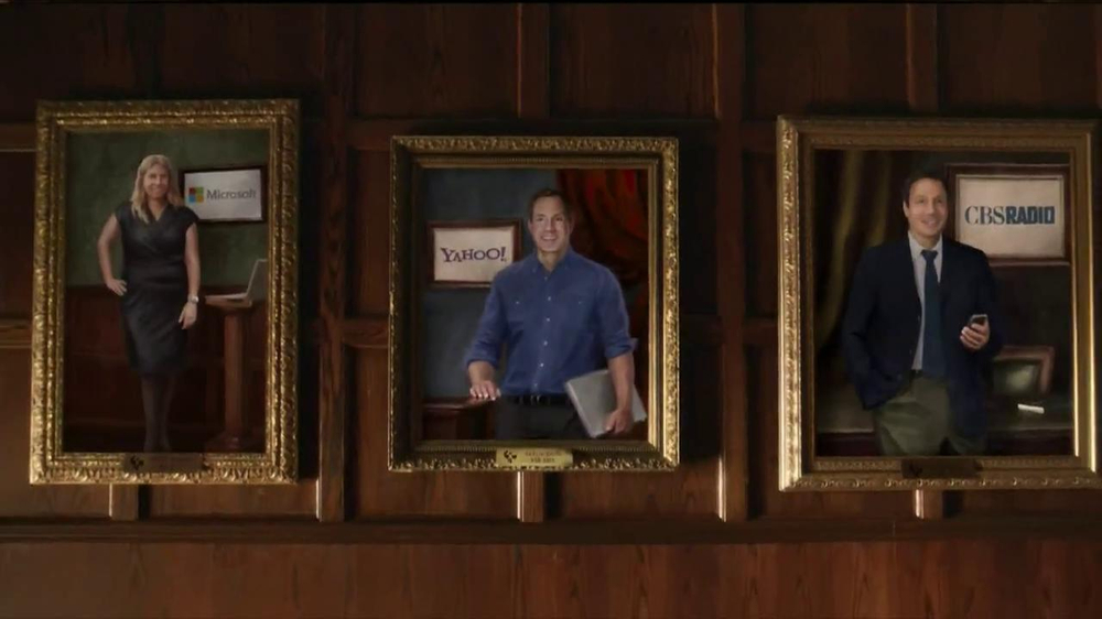 University of Phoenix TV Spot, 'Hall of Success' - Screenshot 7