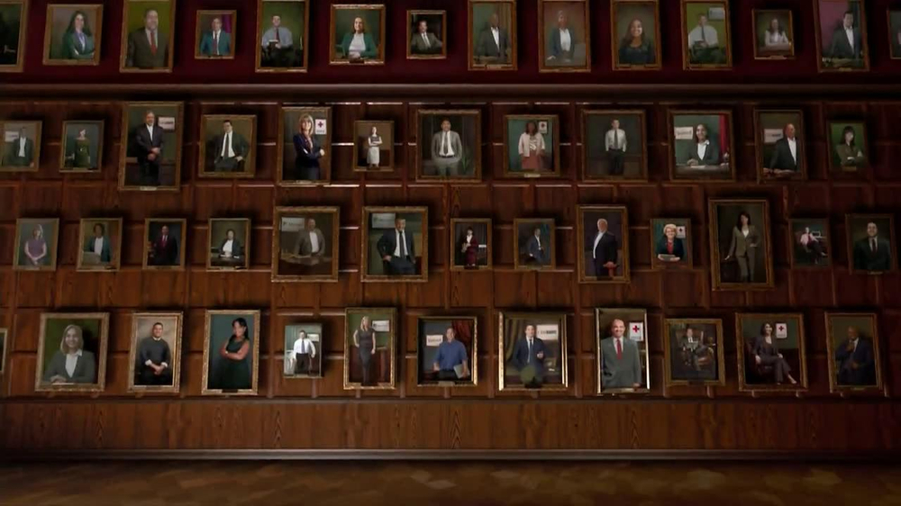 University of Phoenix TV Spot, 'Hall of Success' - Screenshot 9