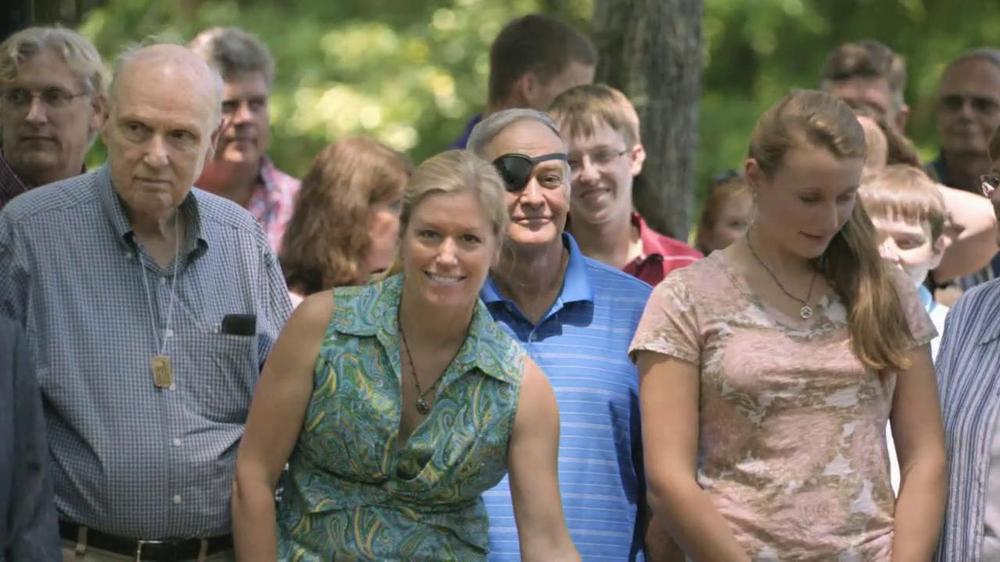 Bank of America TV Spot, 'Hughes Family' Song by Lucinda Williams - Screenshot 10