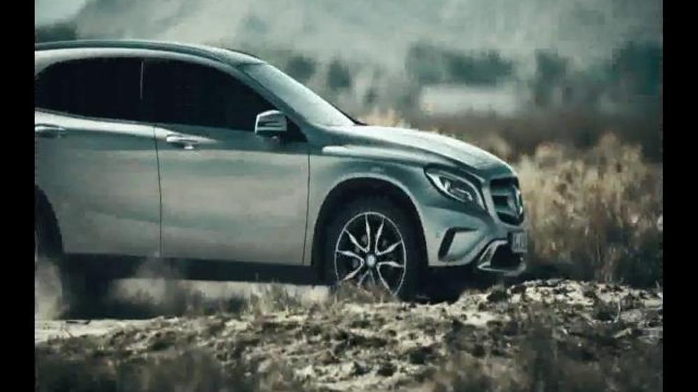 2015 mercedes benz gla tv spot 39 part adrenaline part for Mercedes benz winter event commercial