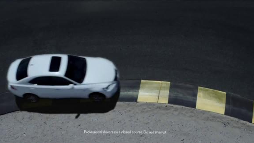 Lexus Golden Opportunity Sales Event TV Spot, 'Cut Corners'