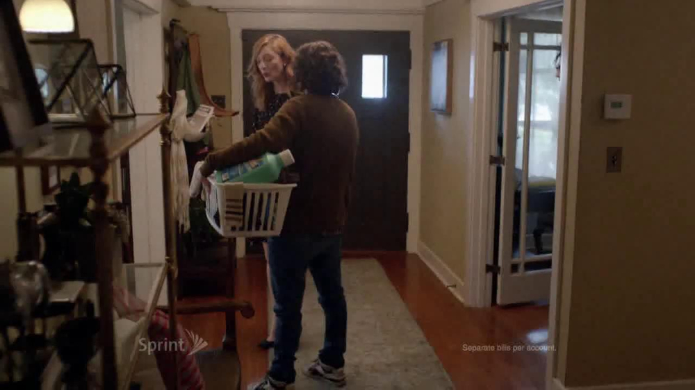 Sprint Framily Plan TV Spot, 'Gordon' Ft. Judy Greer - Screenshot 3
