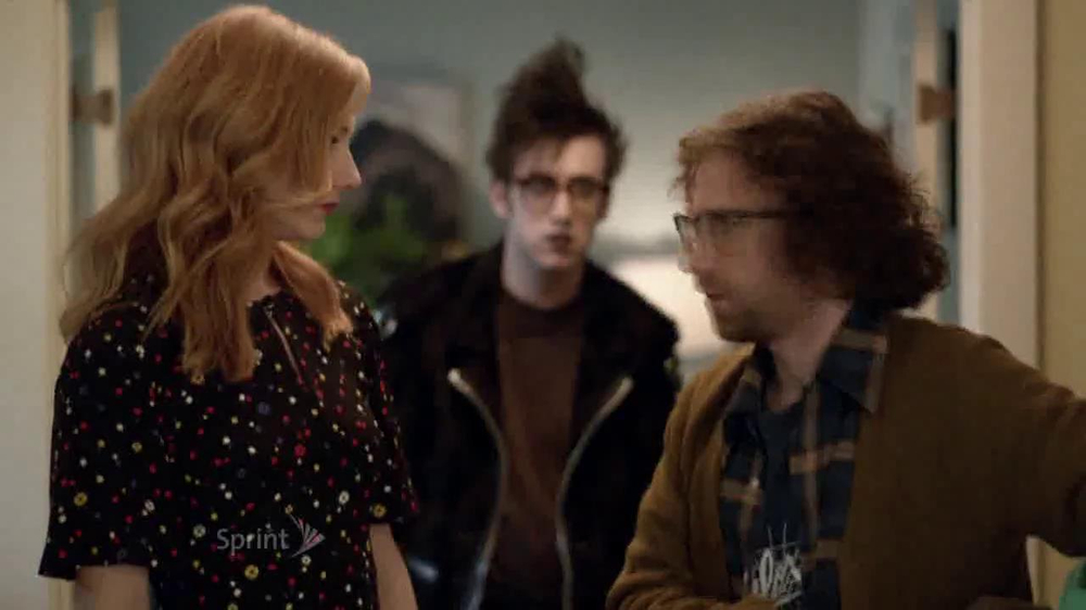 Sprint Framily Plan TV Spot, 'Gordon' Ft. Judy Greer - Screenshot 4