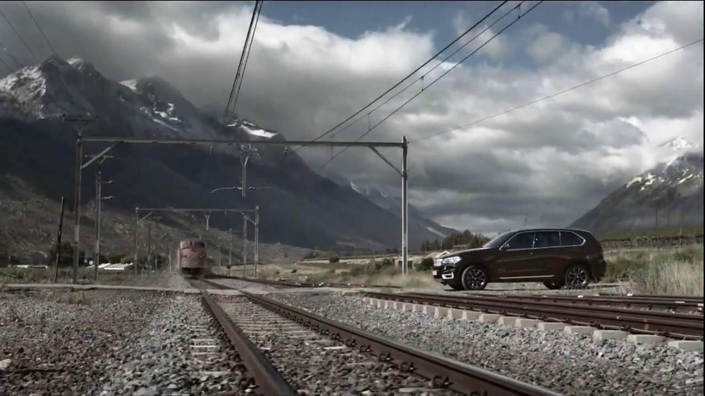 2014 BMW X5 TV Spot, 'Respect' Song by Moon Taxi - Screenshot 5