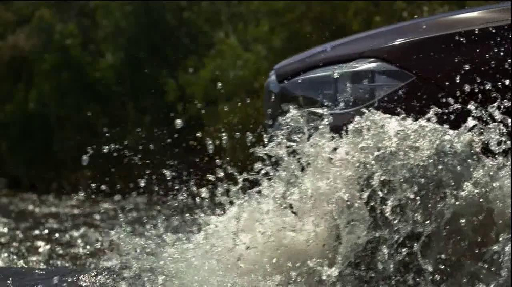 2014 BMW X5 TV Spot, 'Respect' Song by Moon Taxi - Screenshot 8