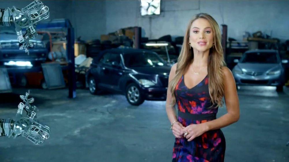 The California Endowment TV Spot, 'Cuidado de Salud' [Spanish] - Screenshot 2