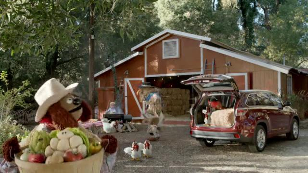 Toyota Highlander Super Bowl 2014 TV Spot Feat. The Muppets, Terry Crews - Screenshot 8