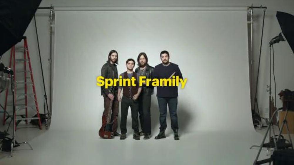 Sprint Framily Plan Super Bowl 2014 TV Spot, 'Band' - Screenshot 2