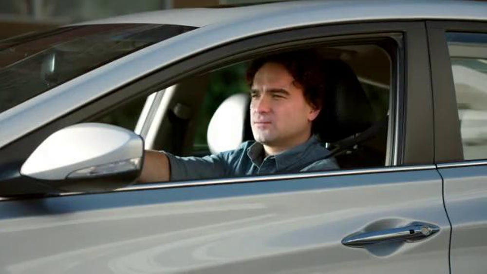 Hyundai Super Bowl 2014 TV Spot, 'Nice' Featuring Johnny Galecki - Screenshot 3
