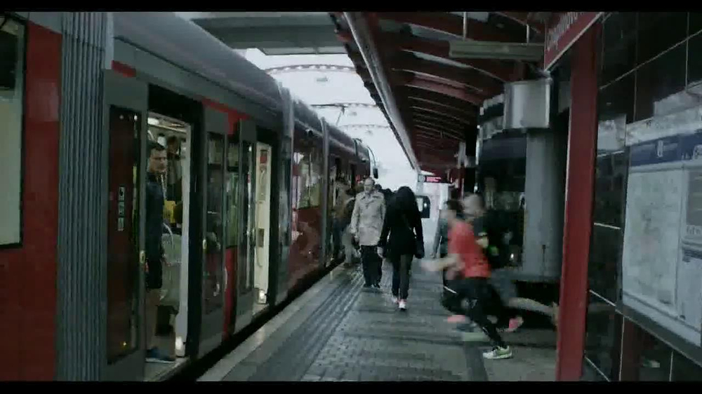 Reebok ZQuick TV Spot, 'Race the City' - Screenshot 2