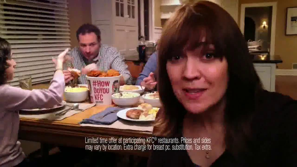 KFC Family Feast TV Spot, 'A Real Family Dinner' - Screenshot 8