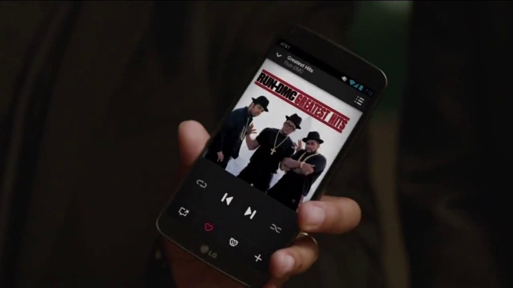 AT&T Beats Music TV Spot, 'Family Gathering' Ft. Rev Run, Song by Run-DMC - Screenshot 5