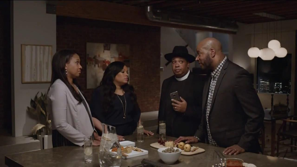 AT&T Beats Music TV Spot, 'Family Gathering' Ft. Rev Run, Song by Run-DMC - Screenshot 7