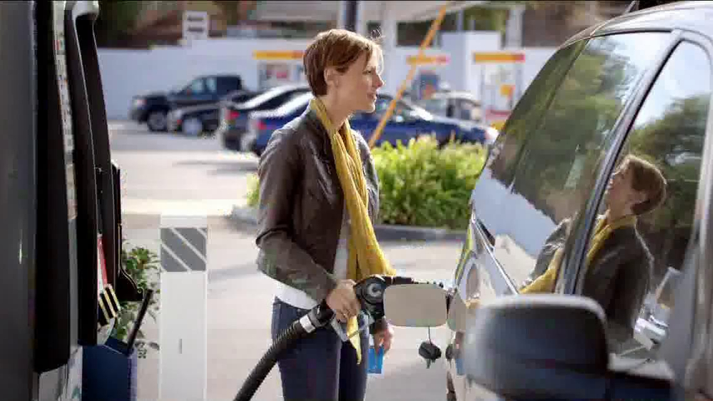 Chase Freedom Card TV Spot, 'At the Pumps' - Screenshot 3