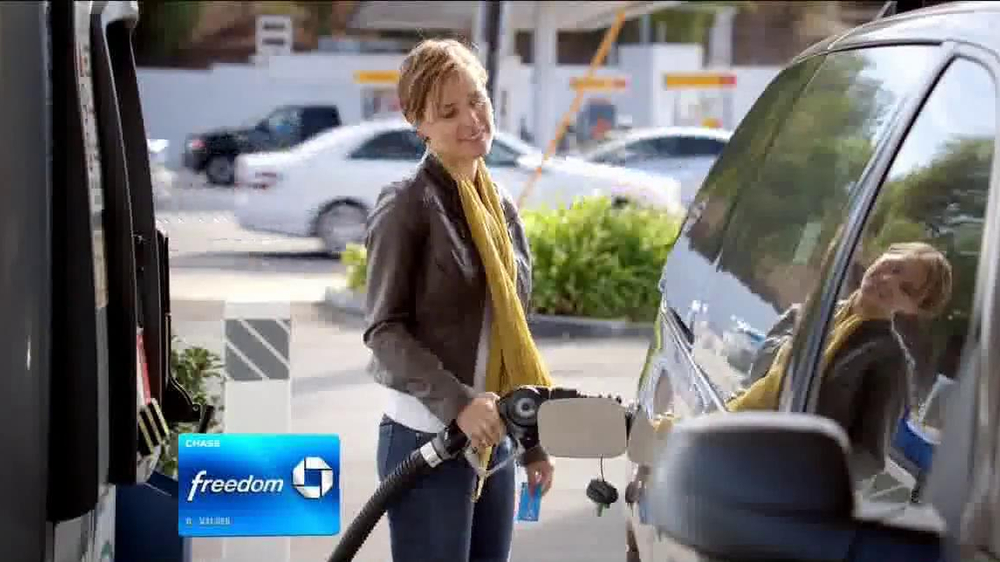 Chase Freedom Card TV Spot, 'At the Pumps' - Screenshot 4