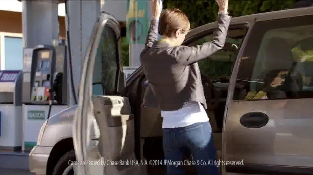 Chase Freedom Card TV Spot, 'At the Pumps' - Screenshot 6