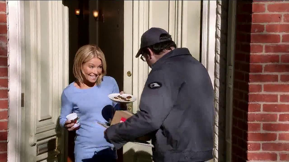 Jif Chocolate Hazelnut Spread TV Spot Featuring Kelly Ripa - Screenshot 3