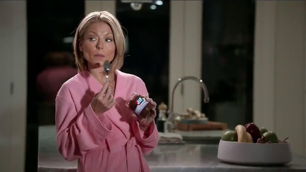 Jif Chocolate Hazelnut Spread TV Spot Featuring Kelly Ripa - Screenshot 8