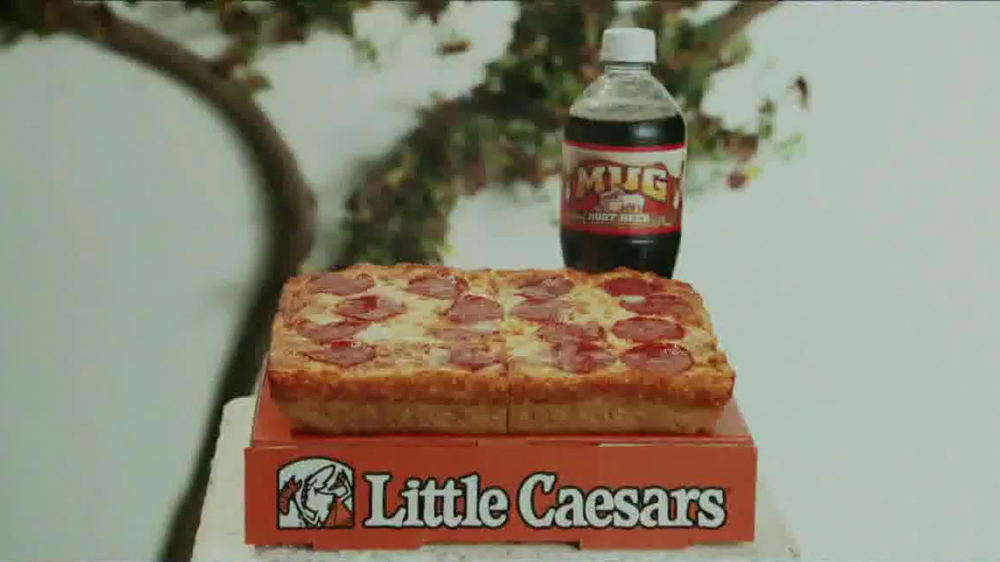 Little Caesars Pizza TV Spot, 'Deep Dish Combo Mambo' - Screenshot 5