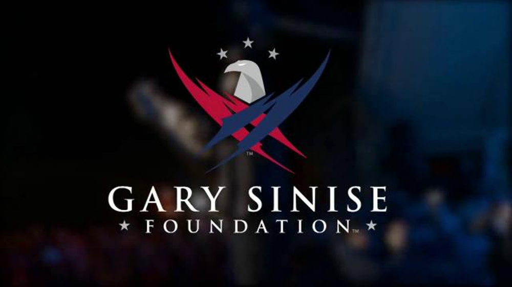 Gary Sinise Foundation TV Commercial, 'Who Helps a Hero ...