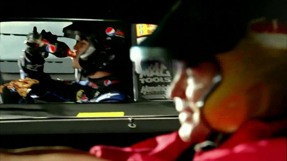 Papa John's TV Spot For Pepsi Max Featuring Jeff Gordon - Screenshot 2